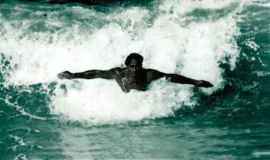 Duke-kahanamoku-body-surf