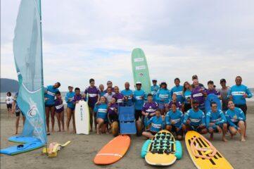 Escola de surf adaptado em Santos