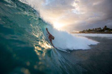 Mark Cunningham fazendo bodysurf