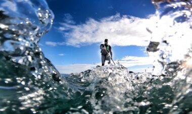 Jordan Wylie remando na Escócia em busca de quebrar o recorde mundial no sup