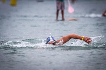 Nadador desafio 36 km EUA