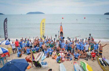 Remadores do campeonato brasileiro de SUP em praia de Florianópolis