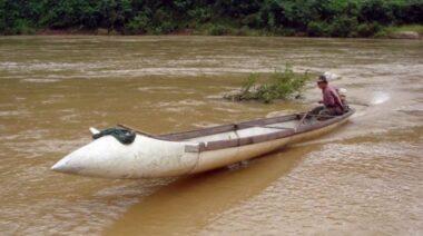 aviões de guerra canoas